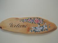 注文(オーダー)依頼前に見る作品~玄関先に飾るウェルカムボード~薔薇の花とその他の草花を配置