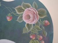 カットの素材画像(挿絵の素材)~薄ピンクの薔薇の花とストロベリーの実