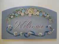 注文(オーダー)依頼前に見る作品~玄関先を飾る名前入りウエルカムボード(表札)~花で囲む